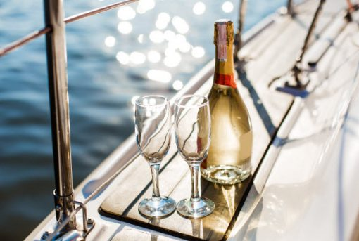 Dining on a boat – your Christmas party food guide